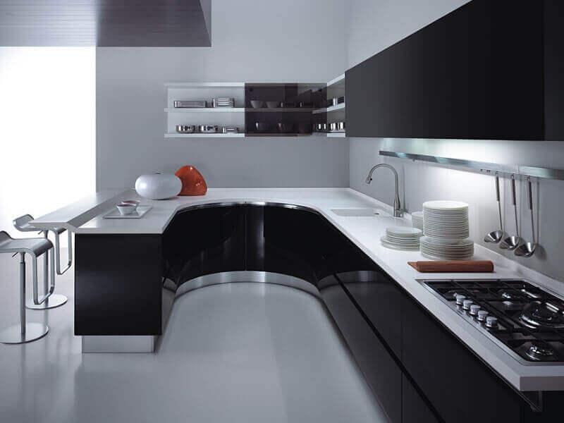 Черно-белый дизайн кухни