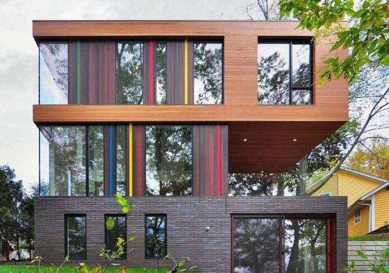 Яркий цвет в оформлении фасада