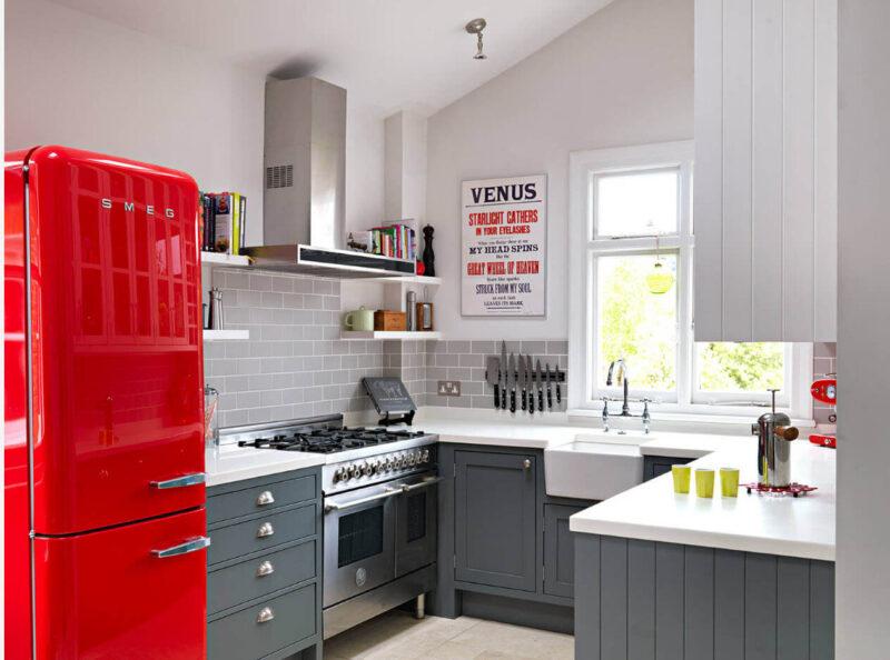 современный дизайн маленькой кухни серая
