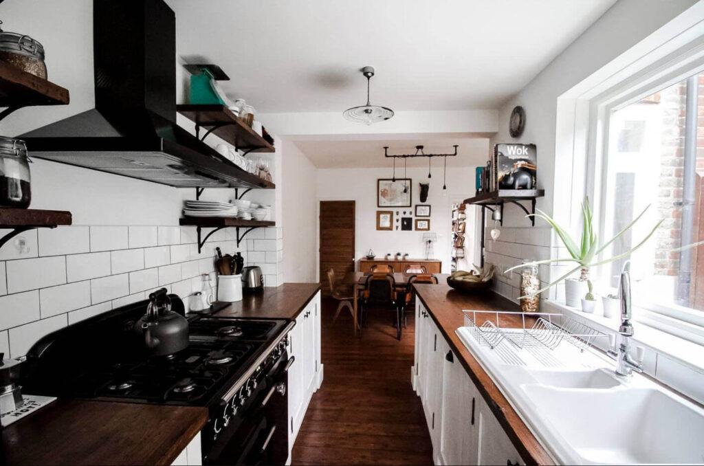 параллельная планировка маленькой кухни