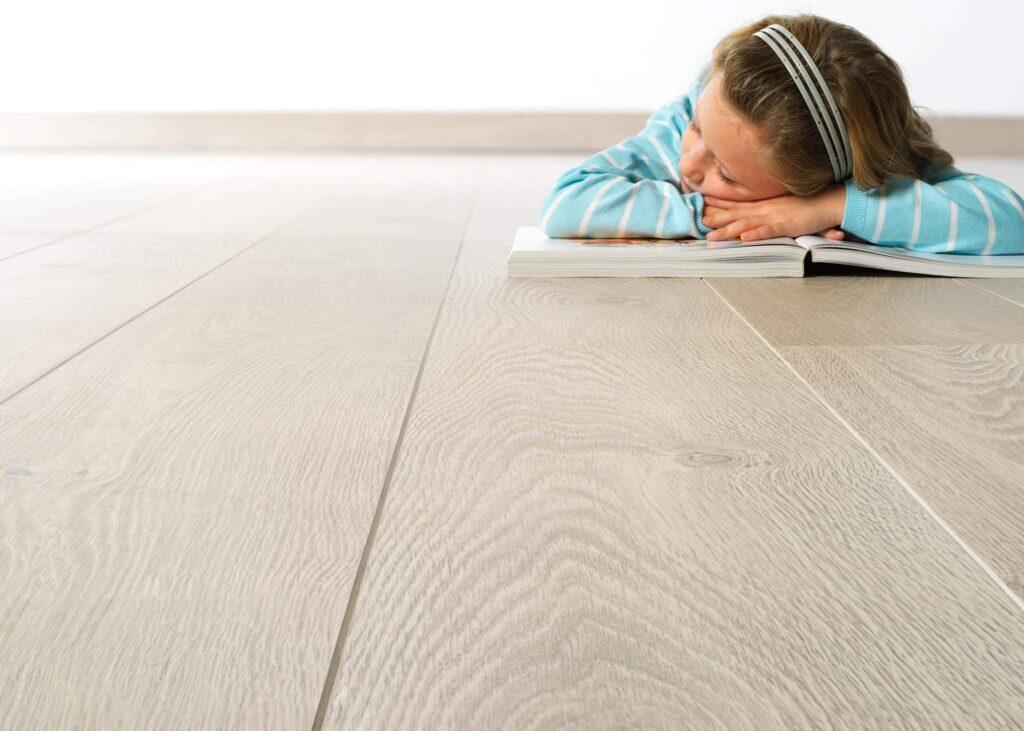 экологический ламинат в детской комнате