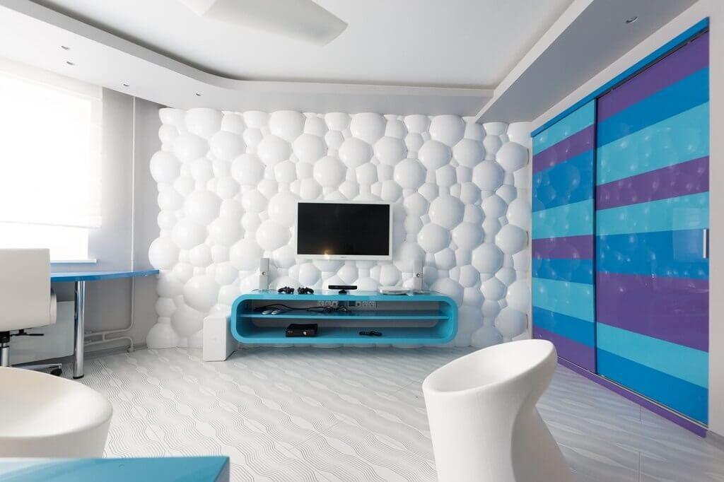 Пластиковые трехмерные панели в интерьере гостиной