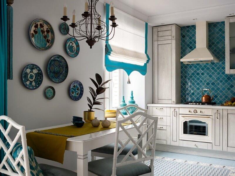посуда на стенах на кухне