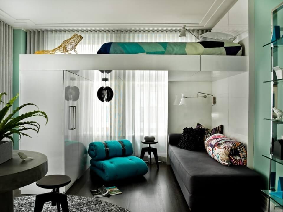 Кровать с миниатюрной комнатой под ней