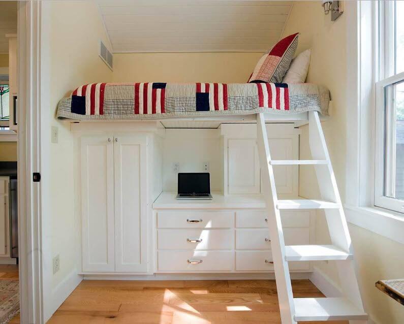 кровать чердак с надежной лестницей