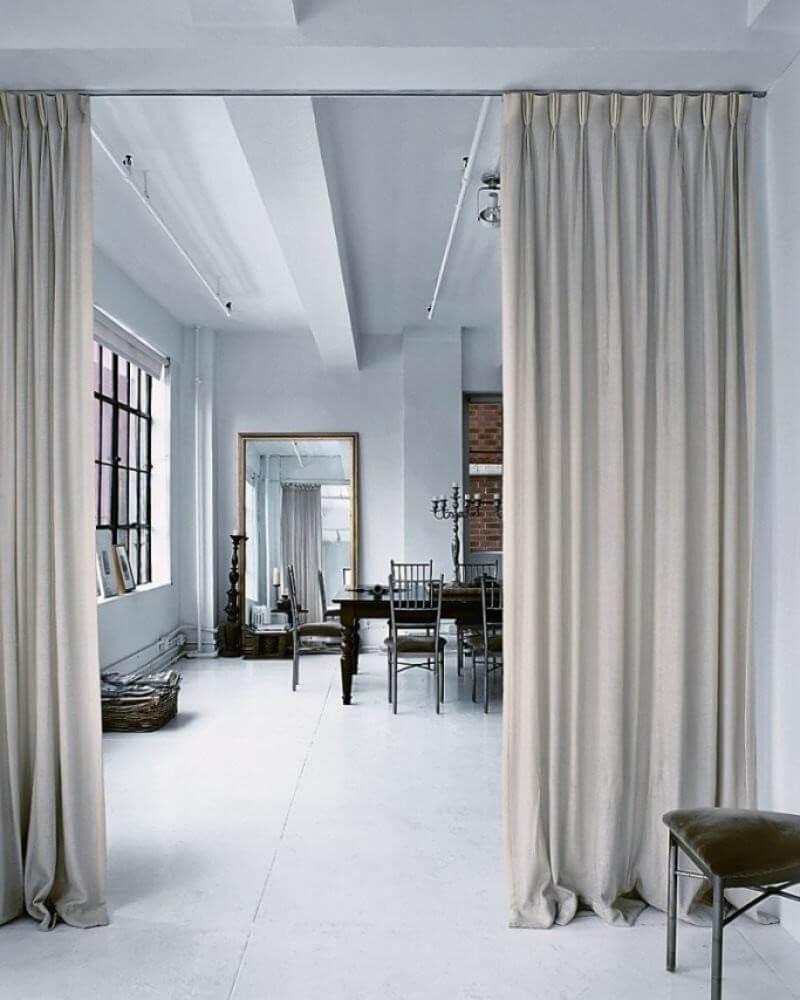 Тканевая штора для зонирования комнаты