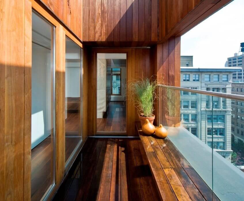 Ламинат на стене на балконе