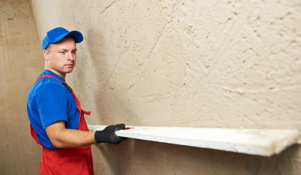 Правило для шпаклевке стен под обои