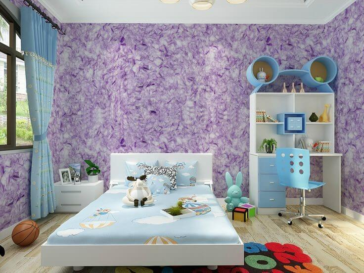 Лиловые жидкие обои в интерьере детской комнаты