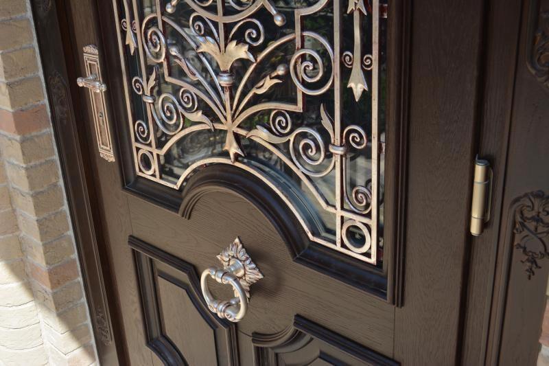Оригинальные деревянные входные двери