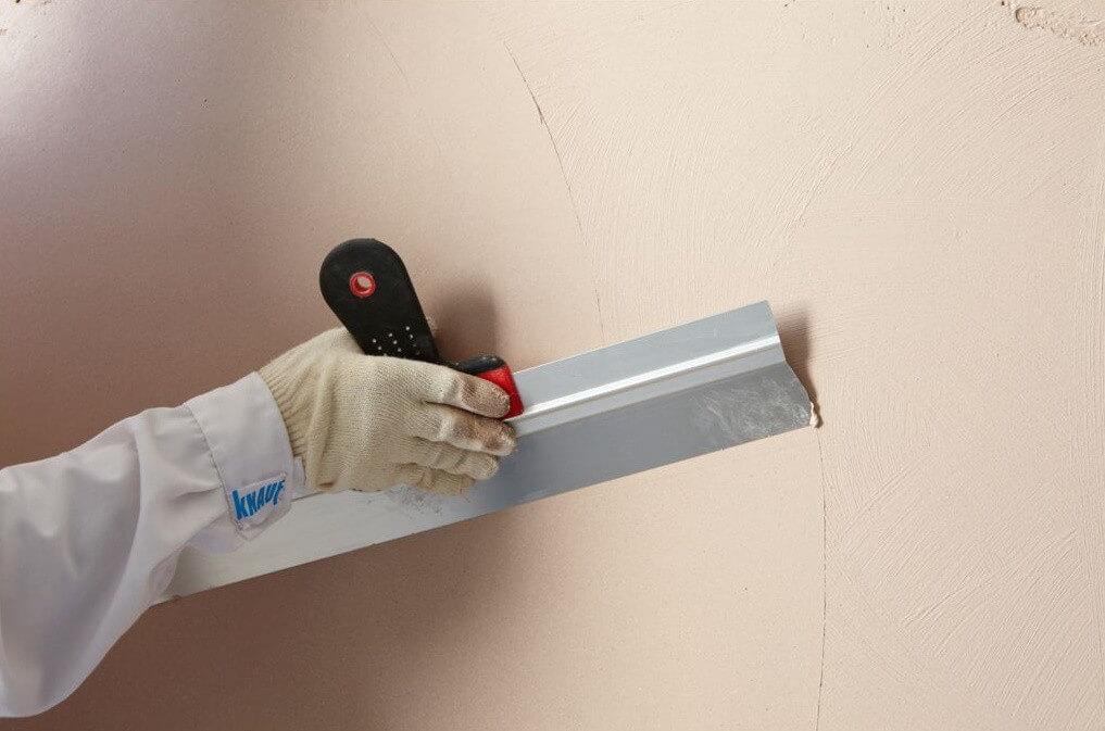 шпаклевка стен для нанесения жидких обоев