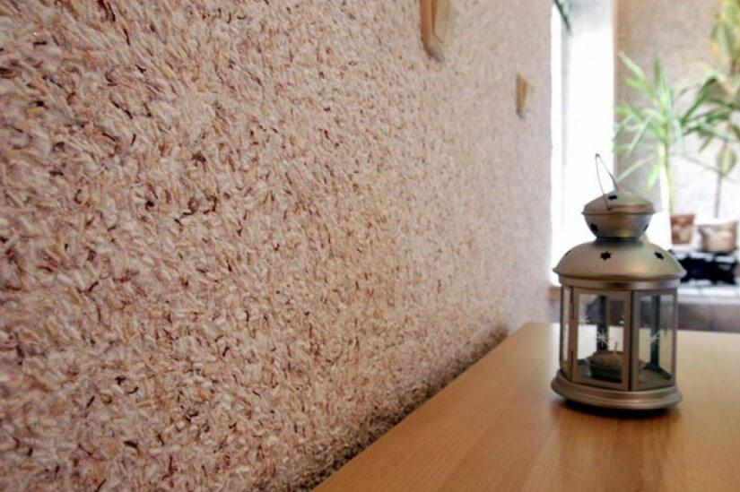 Рідкі шпалери на стіні
