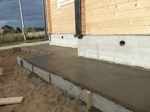 заливка бетонного вимощення
