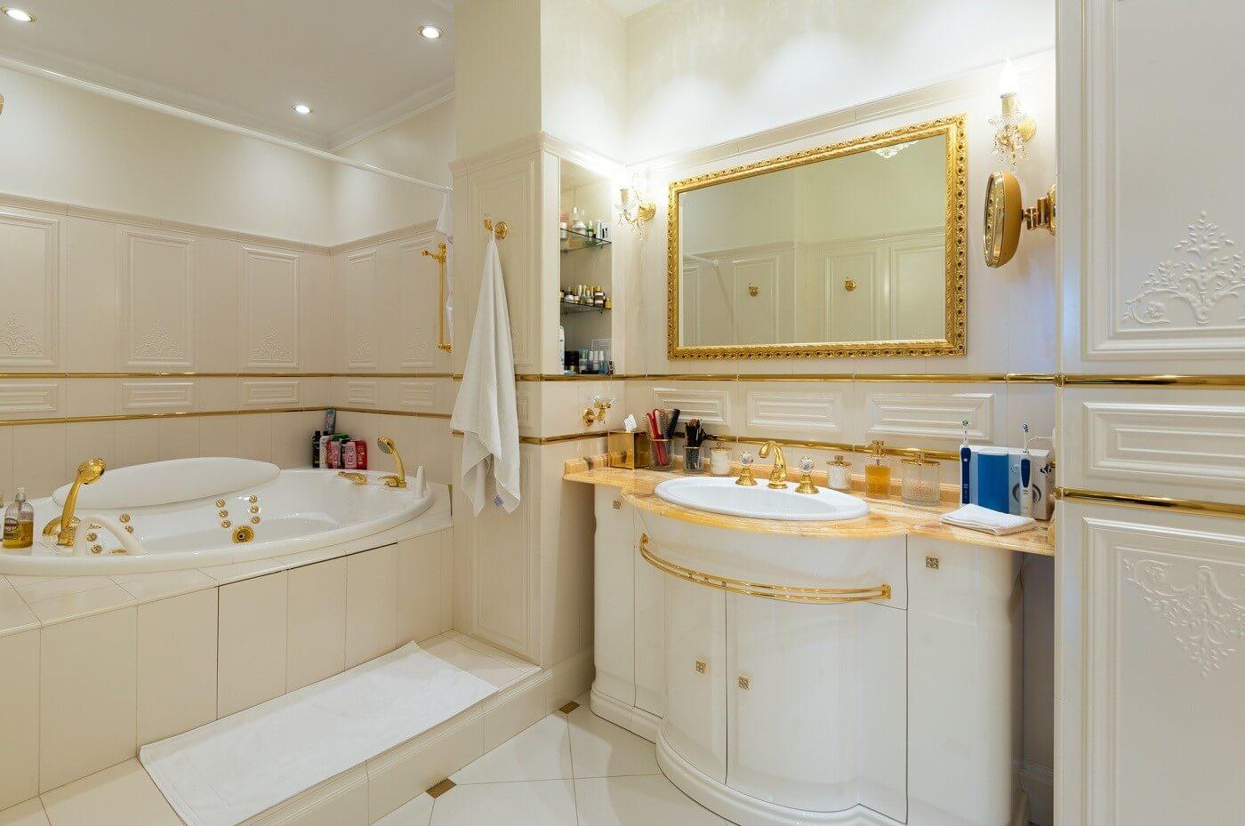 класичний стиль ванної кімнати