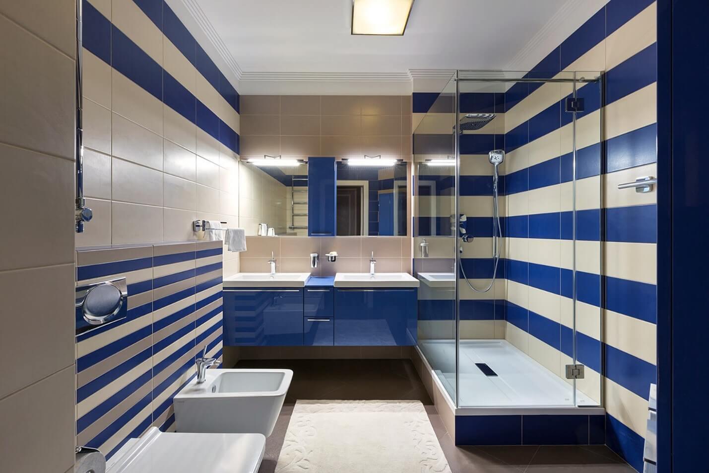 ванна в морському стилі