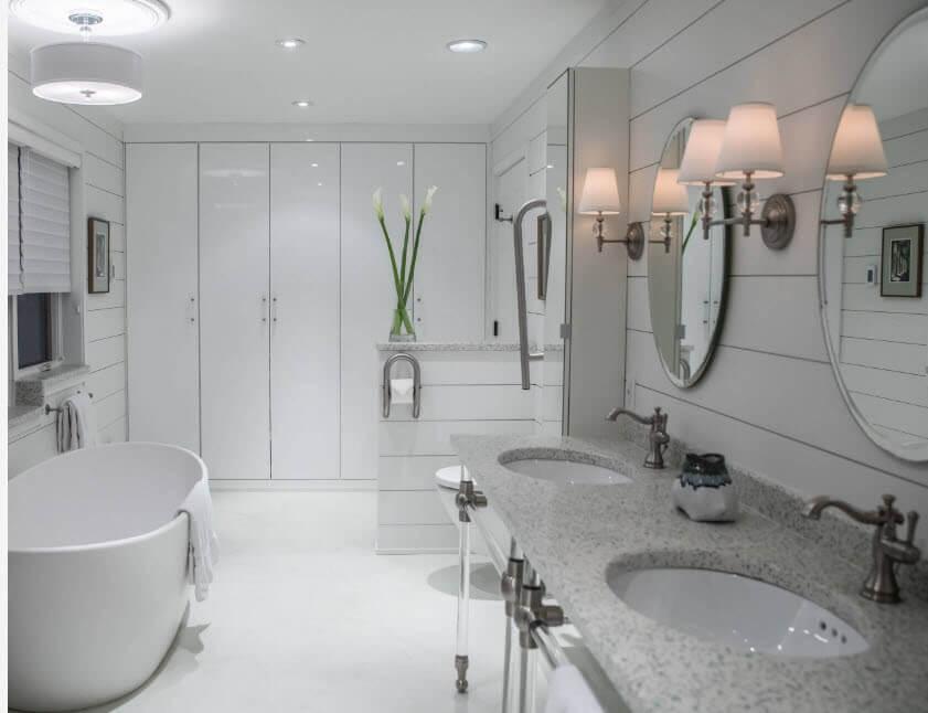красива біла ванна