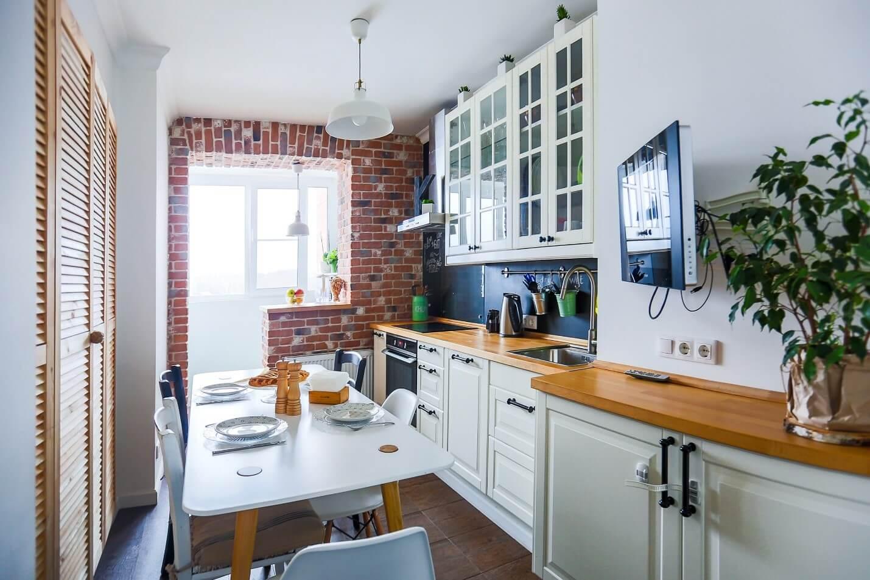 Освещение кухни с выходом на балкон