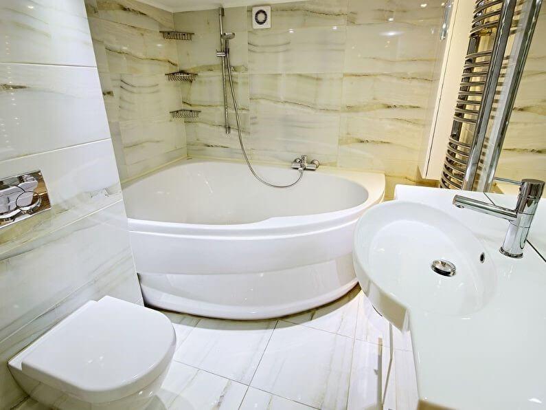 Теплый оттенок стен в маленькой ванной
