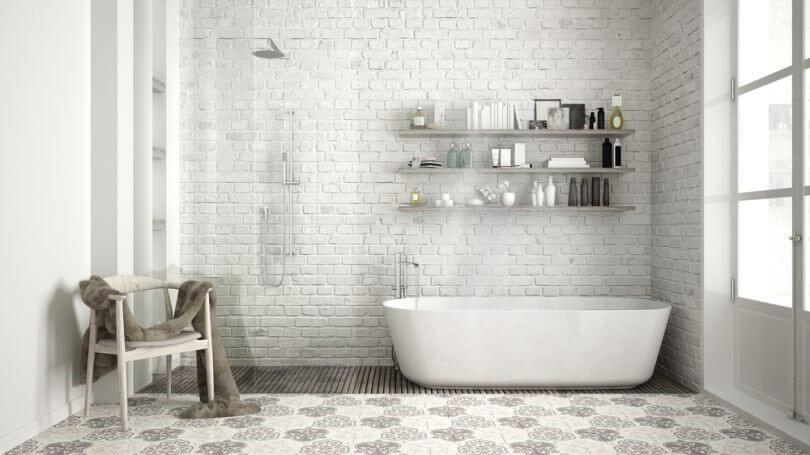 отделка камнем в ванной