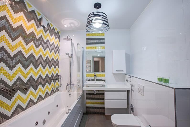 Яркие акценты в маленькой ванной комнате