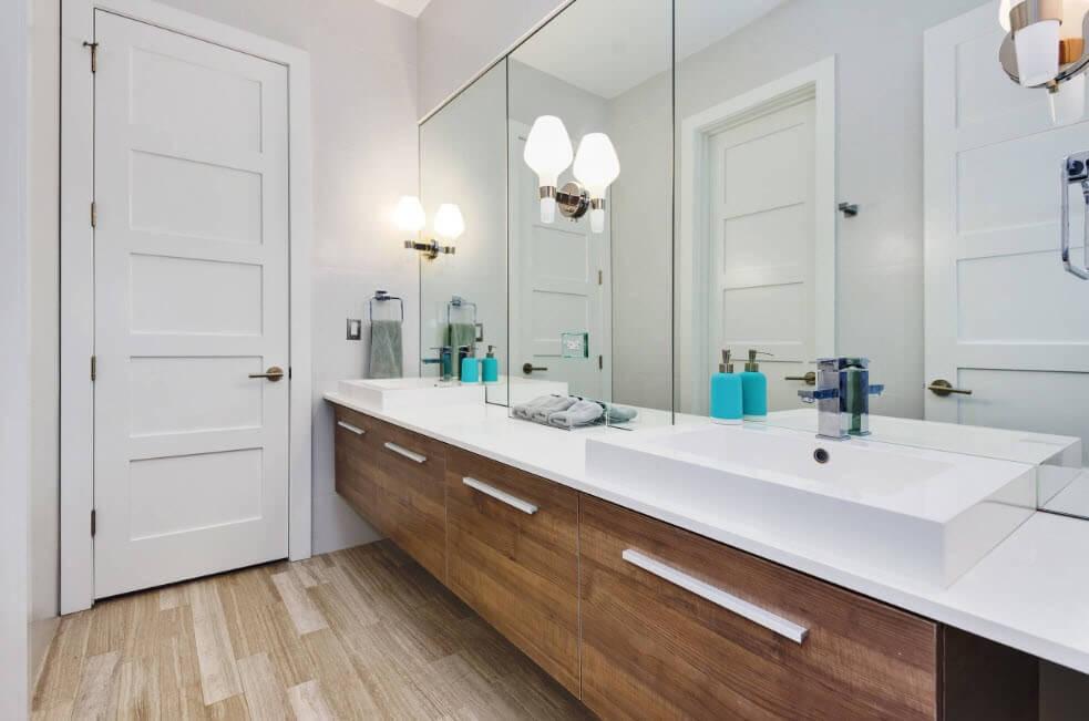 водостійкий ламінат у ванній