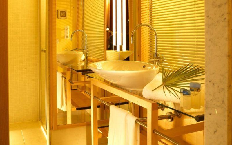 Дизайн ванной в желтых тонах