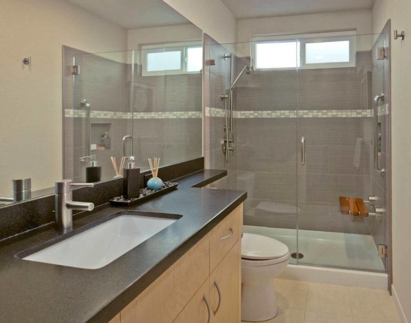 зеркала в небольшой ванной