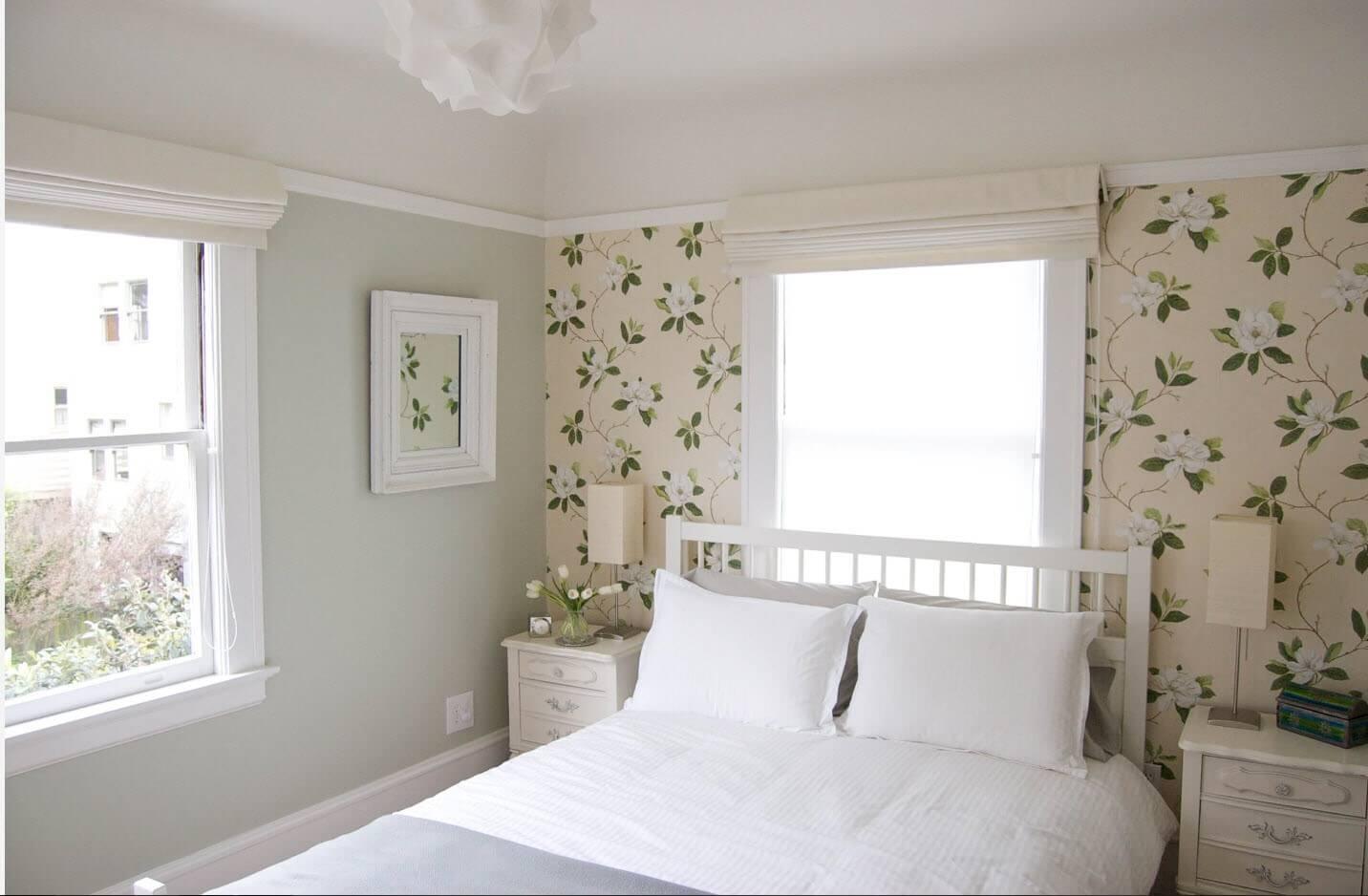 флористика шпалери спальня