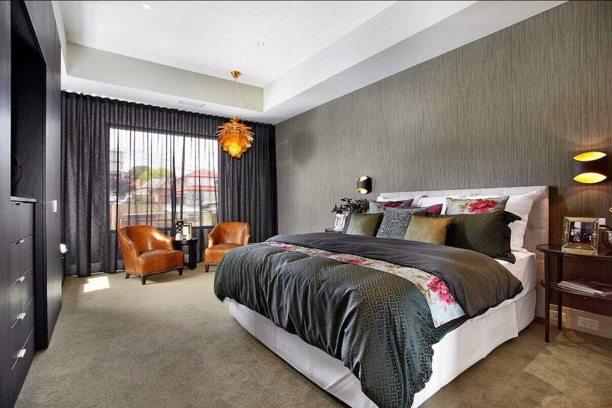 сірі шпалери в спальні