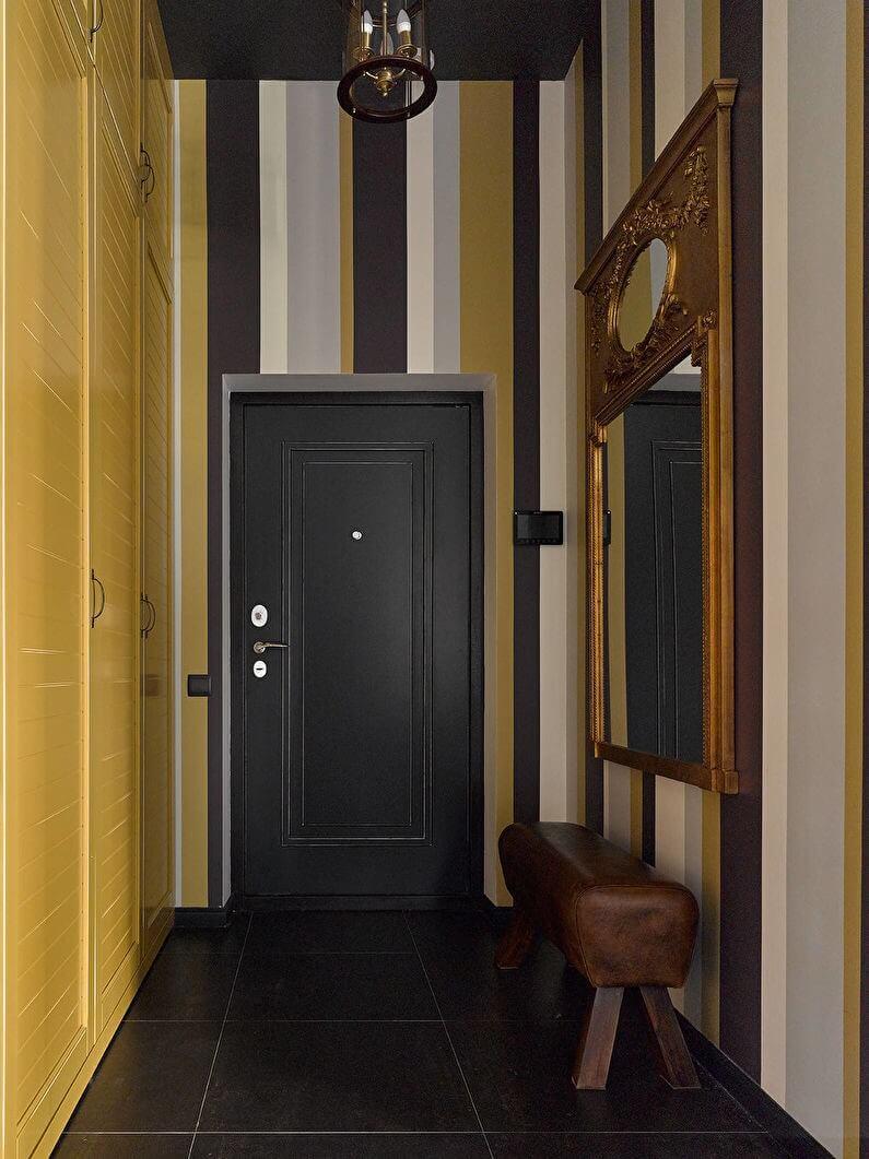 шпалери в коридорі з великим принтом