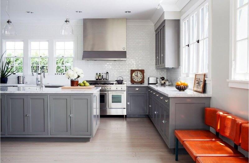кухня в сірих тонах