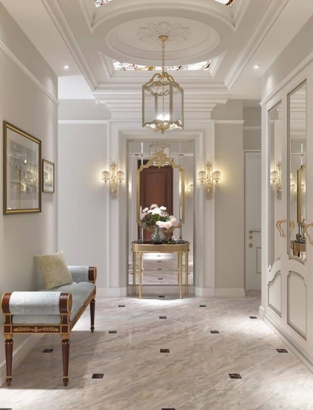 современная люстра в коридоре