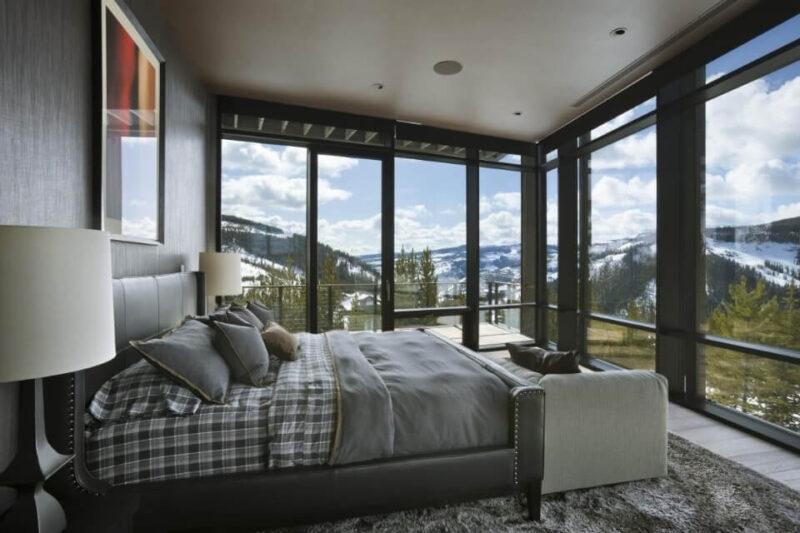 спальня з панорамними вікнами