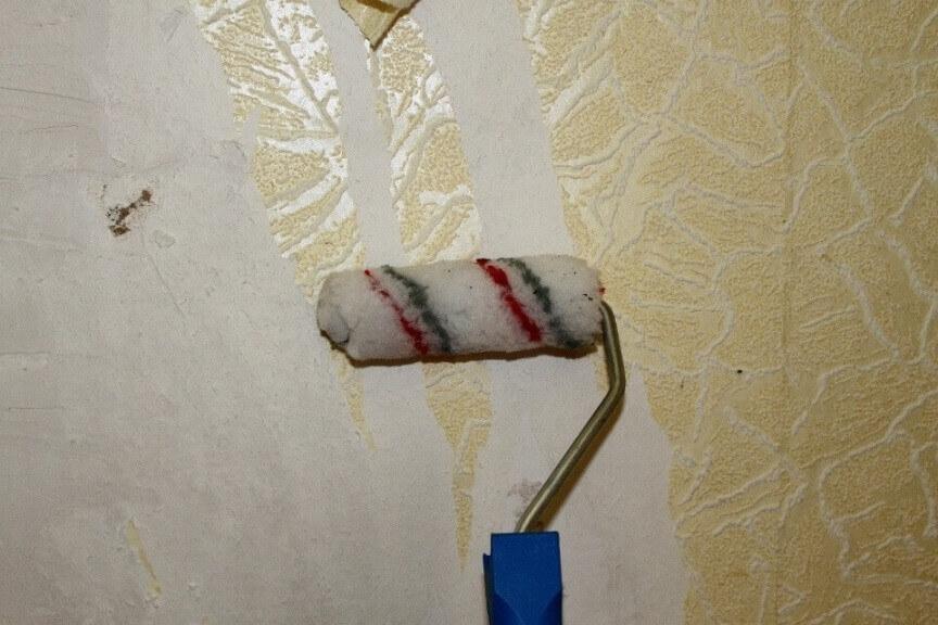 як зняти паперові шпалери