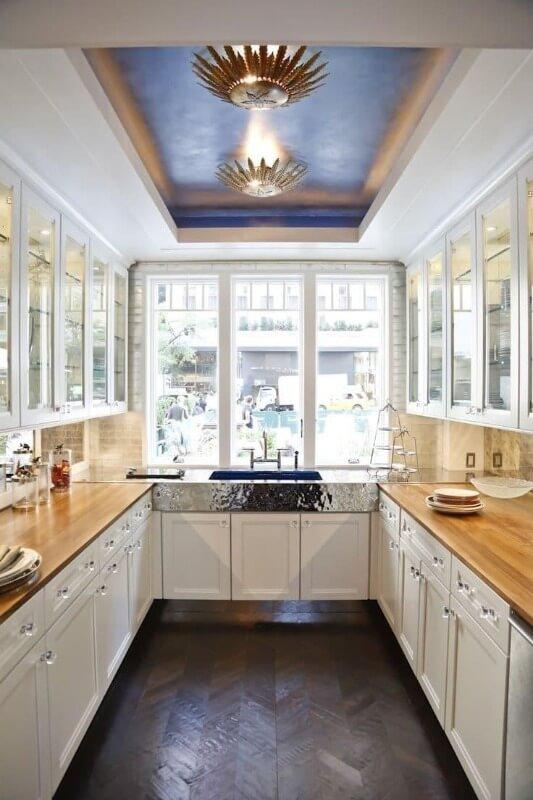 дизайн стелі на кухні