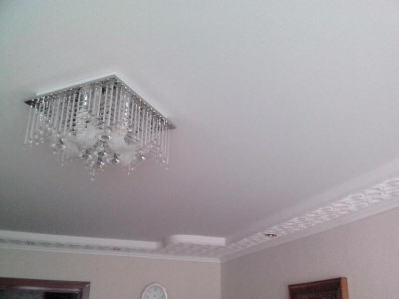 белый тканевый натяжной потолок Descor