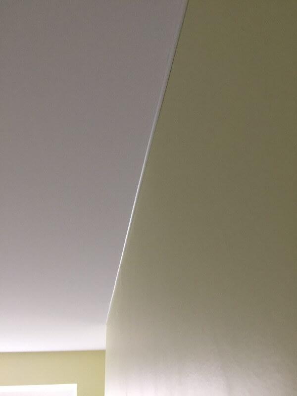 результат монтажа натяжного потолка