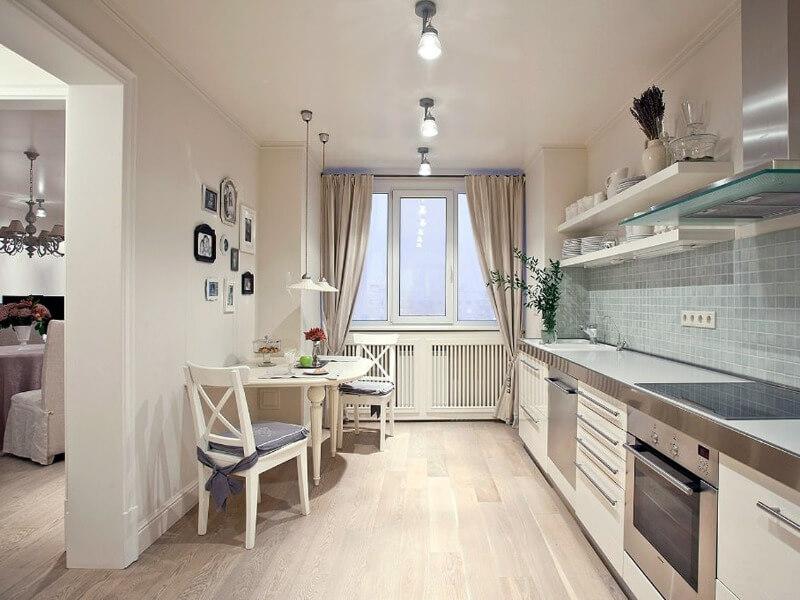 тканевых потолок на кухне