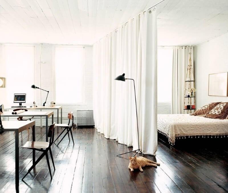 зонирования однокомнатной квартиры шторами