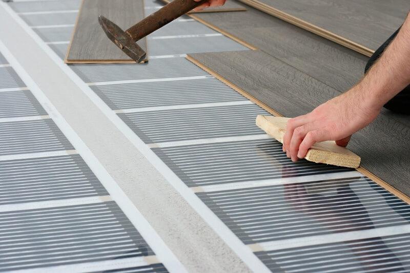 електрична тепла підлога під ламінат