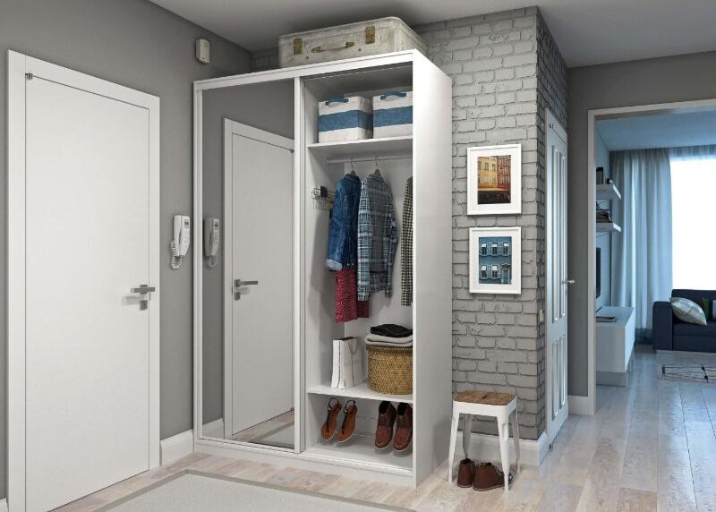 шкаф в маленькой прихожей