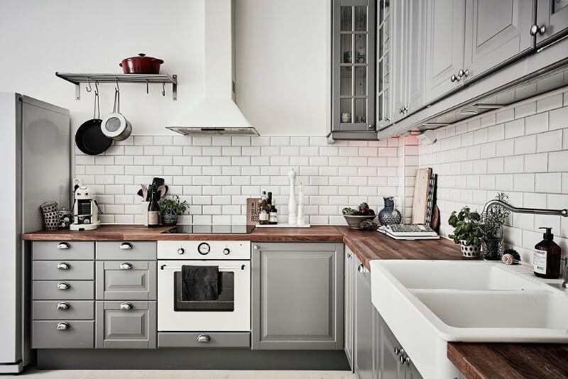 кирпичный фартук скандинавская кухня