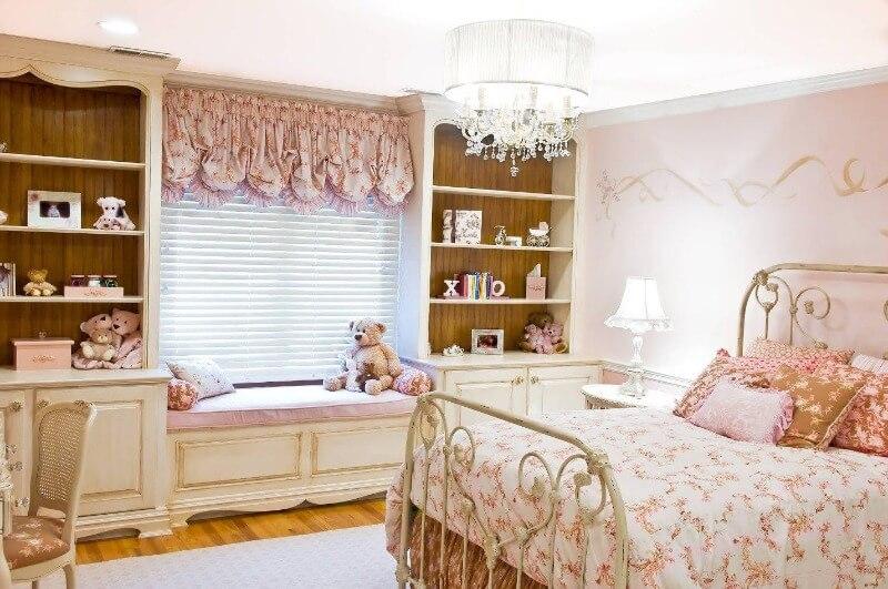 дизайн дитячої в рожевому кольорі