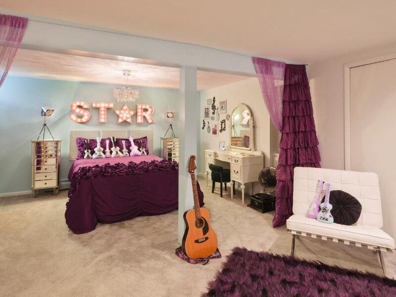 кімната дівчинки підлітка