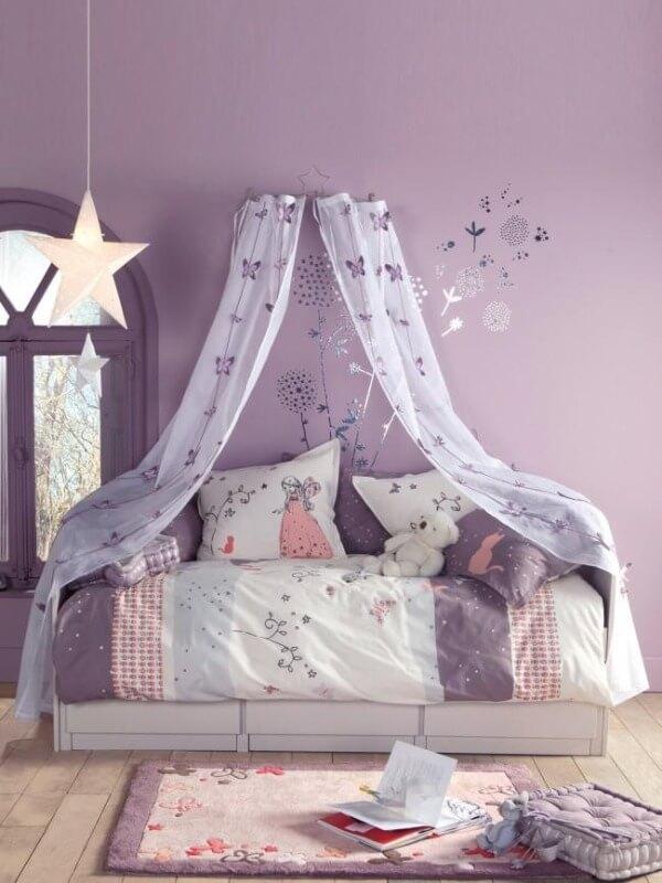 кімната для дівчинки класичний стиль