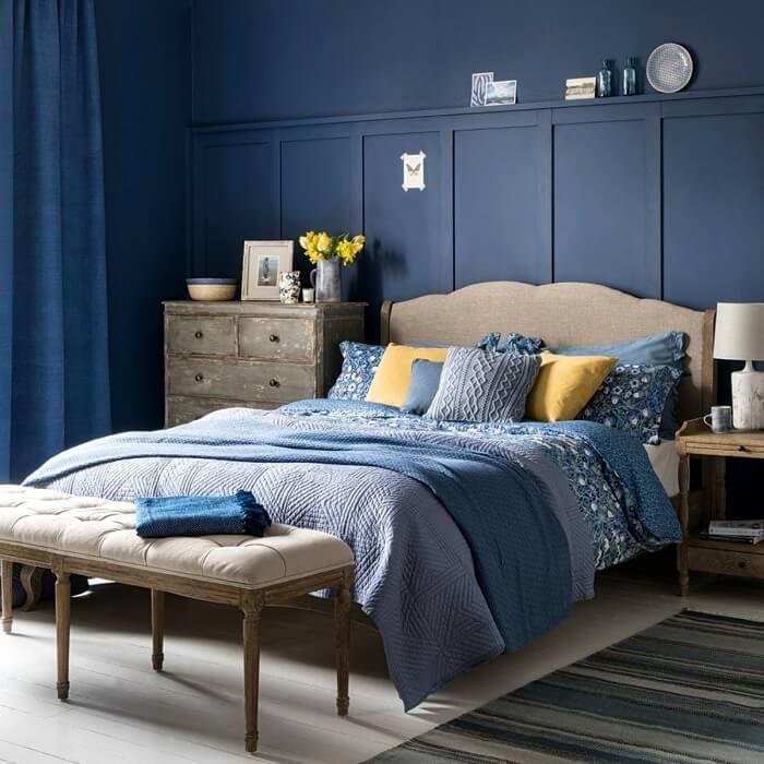 сучасний інтер'єр спальні синій колір