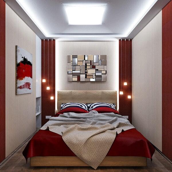 красные стены в маленькой спальне