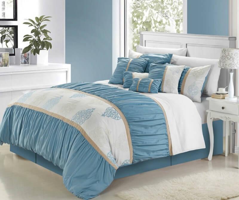 маленькая спальня синих цветов