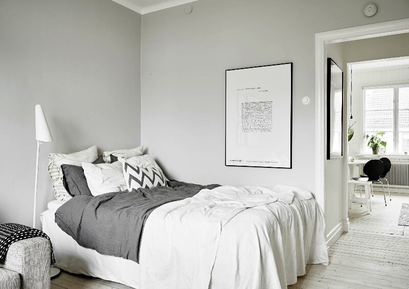 спальня маленька в скандинавському стилі