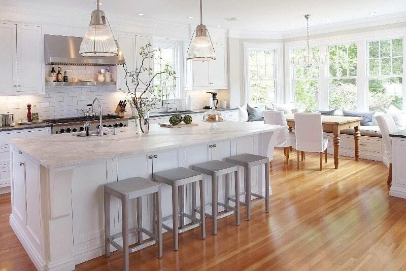 большая белая кухня